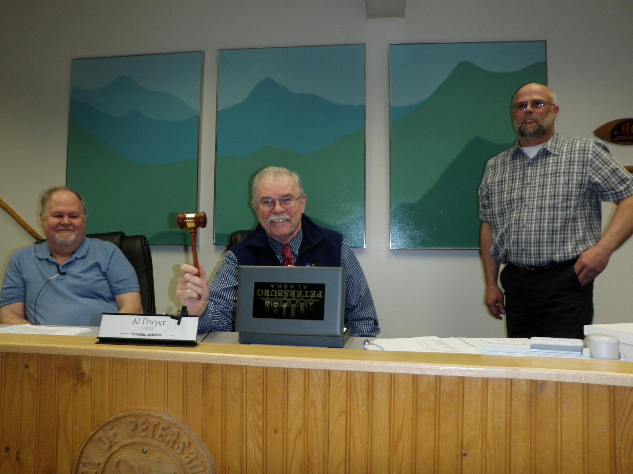 Jensen takes Mayor's seat as Dwyer steps down.