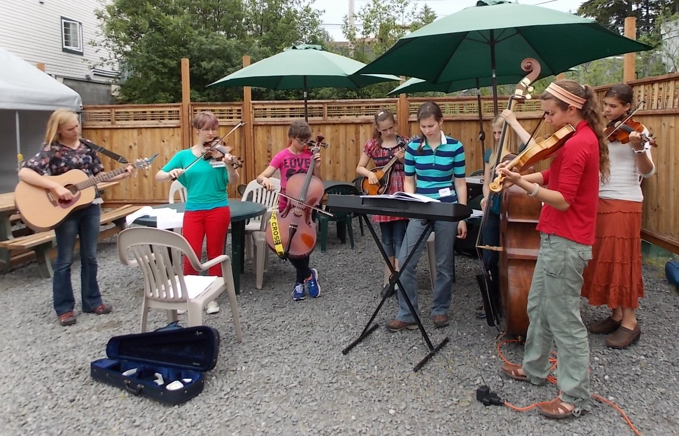 Bluegrass music camp winds up busy week